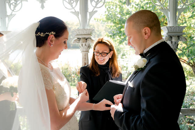 Wedding Officiant - Lisa Traina - louise and michael