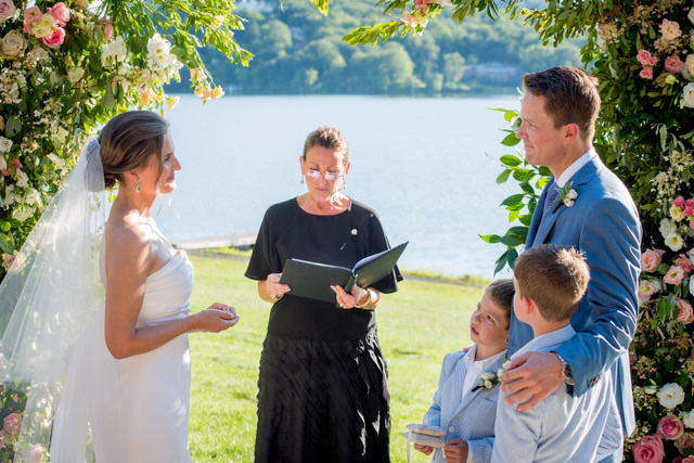 Lisa-Traina-Wedding-Officiant-feb1